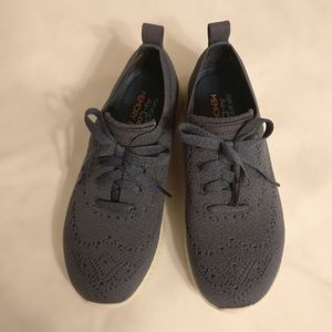 Brand new Skechers Air-Cooled Memory Foam Size 6.5